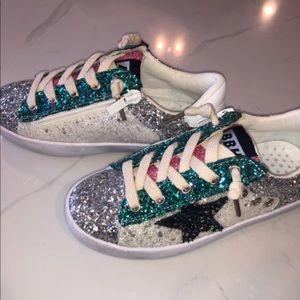 Nwot Lola The Boys Girls Sneakers